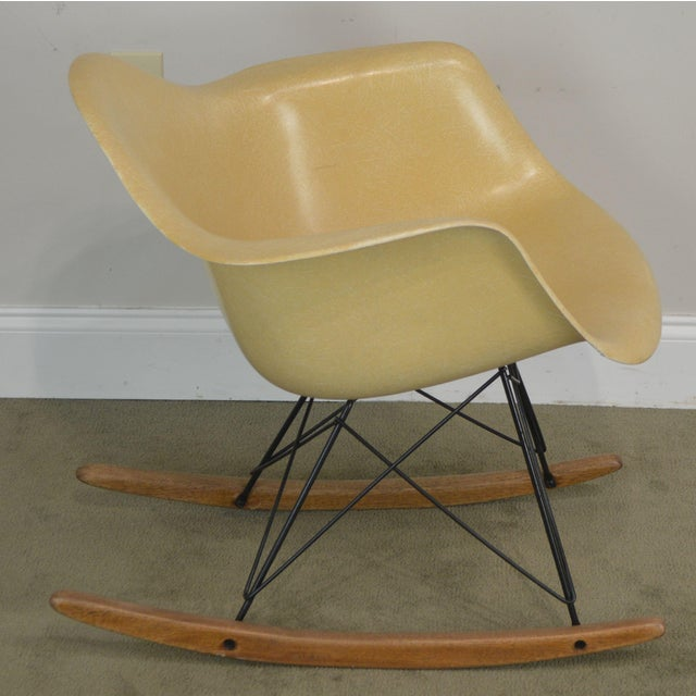 Mid-Century Modern Herman Miller Charles and Ray Eames Fiberglass Shell Rocker For Sale - Image 3 of 13