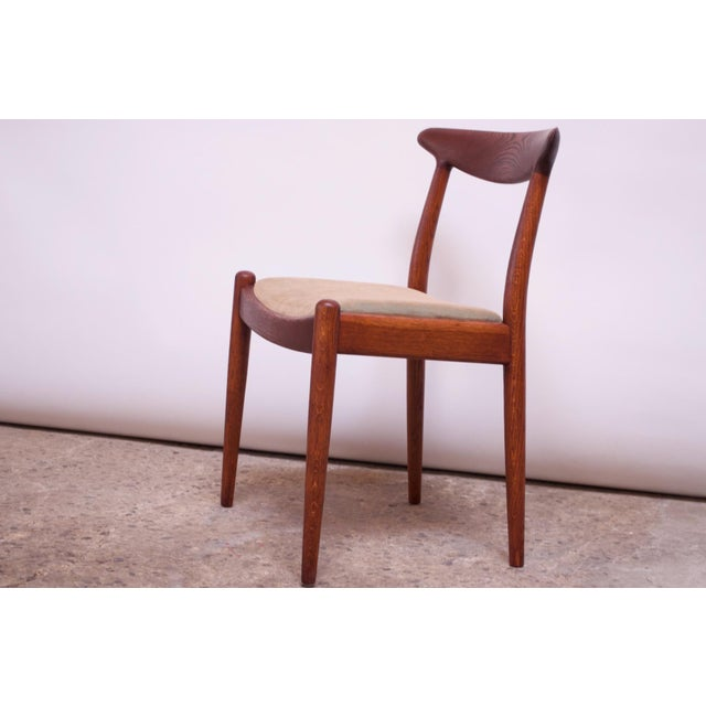 1950s Set of Six Hans Wegner W2 Dining Chairs for CM Madsen in Oak For Sale - Image 5 of 13