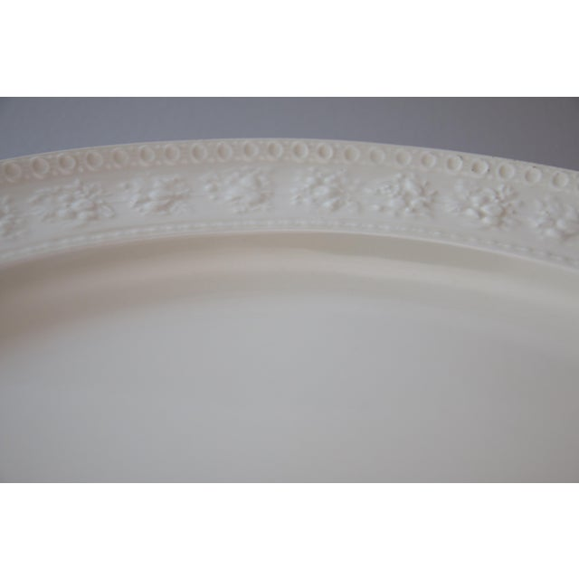 Wedgwood C. 1940 Large English Wedgwood Oval Serving Platter For Sale - Image 4 of 7