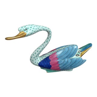 20th Century Traditional Herend Porcelain Swan Figurine For Sale