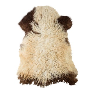 "Contemporary Long Soft Wool Sheepskin Pelt - 2'0""x3'2"" For Sale"