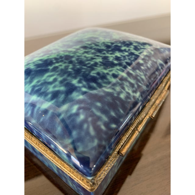 1960s Vintage Blue Fine China Box With Gold Trim For Sale - Image 5 of 12