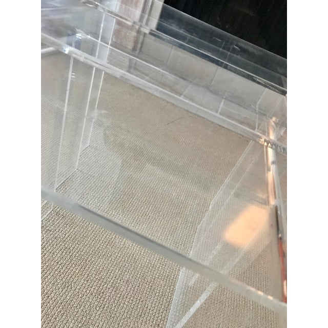 Transparent Vintage Lucite Nesting Tables - Set of 3 For Sale - Image 8 of 9