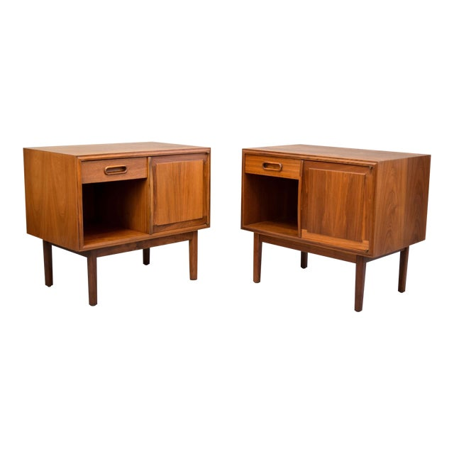 Jack Cartwright for Founders Walnut Nightstands - A Pair - Image 1 of 11