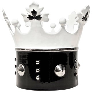 Contemporary Italian Black & White Majolica Crown Bowl With Platinum Accents For Sale