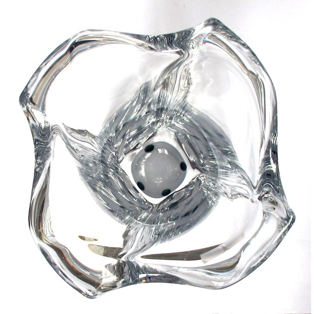 An Impressively-Large and Heave French Daum Clear Crystal Vase C. 1945-1950 For Sale In San Francisco - Image 6 of 8