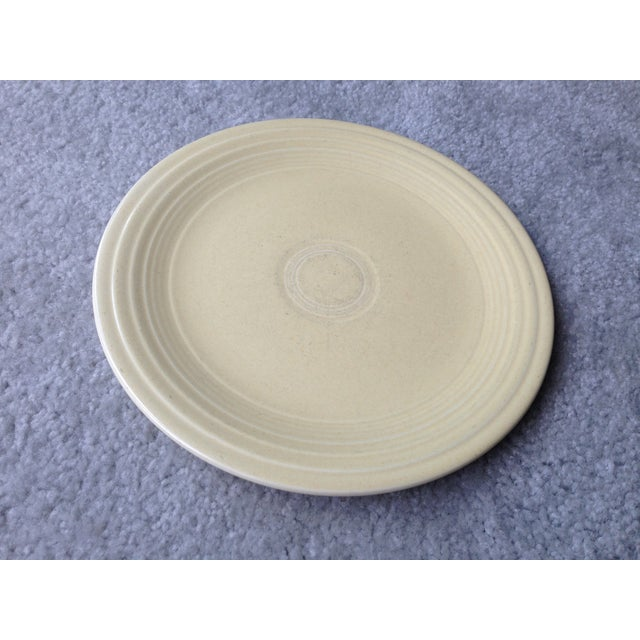 "Contemporary Vintage Fiestaware 9"" Luncheon Plate For Sale - Image 3 of 8"