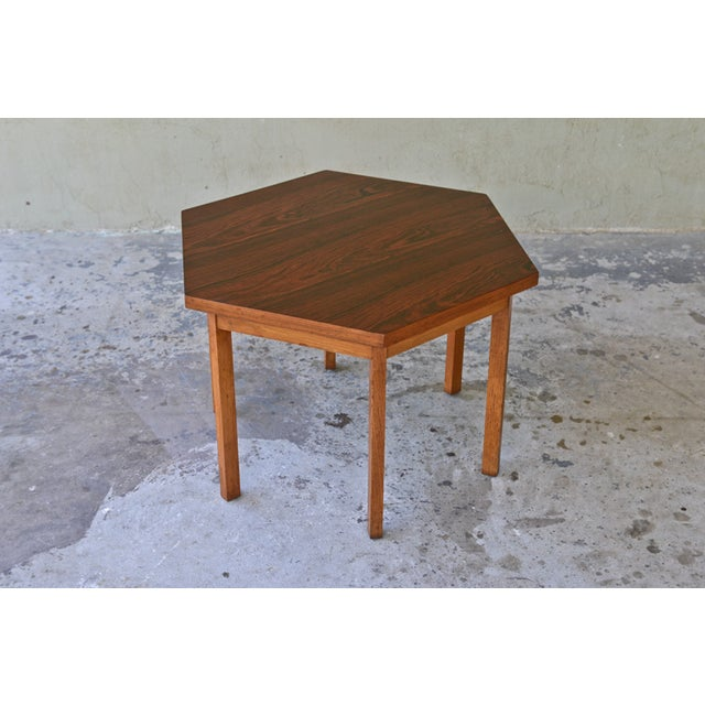 A fantastic rosewood side / occasional table designed by Paul McCobb for the Delineator series by Lane. The table features...