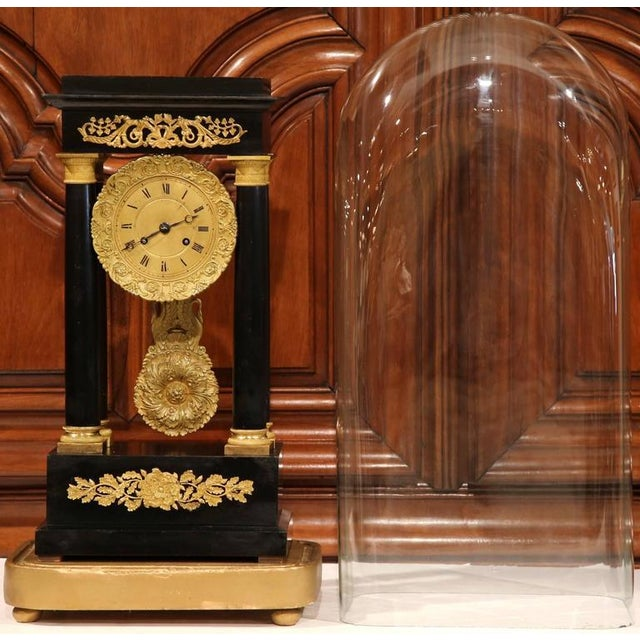 Empire 19th Century French 4-Columns Empire Mantel Clock with Original Glass Dome For Sale - Image 3 of 9