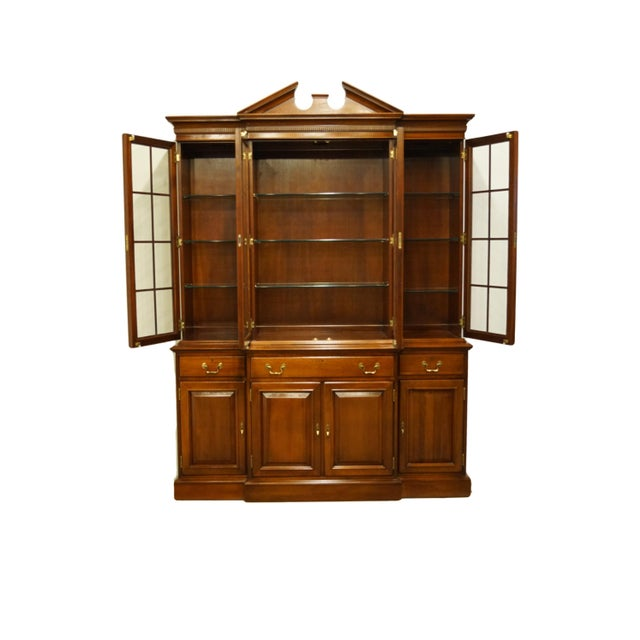 Link Taylor Furniture Solid Mahogany Chippendale Traditional Breakfront Display China Cabinet For Sale - Image 4 of 13