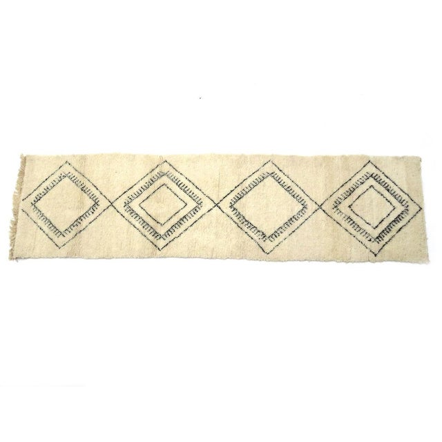 Islamic Moroccan Beni Ourain Runner Rug - 2′9″ × 10′7″ For Sale - Image 3 of 9
