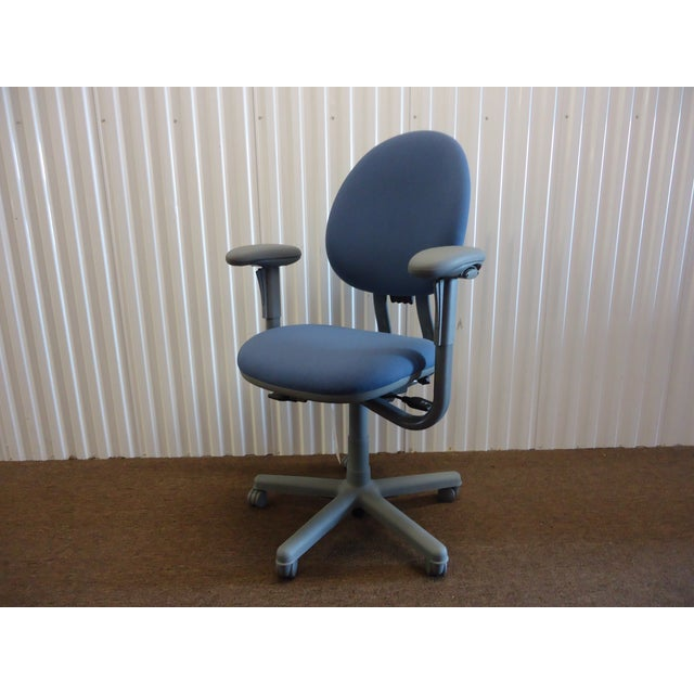 2010s Modern Steelcase Criterion Blue Ergonomic Office Desk Chair For Sale - Image 5 of 13