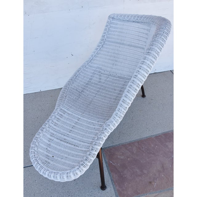 Vintage Modernistic Asymmetric Woven Wicker Chaise Lounge For Sale In Los Angeles - Image 6 of 13