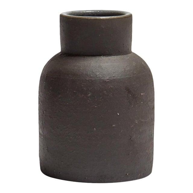 Featured in The 2020 San Francisco Decorator Showcase — Eric Vander Molen Minimal Charcoal Ceramic Vessel For Sale