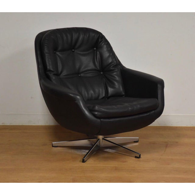 Black & Chrome Mid Century Lounge Chair For Sale - Image 9 of 9