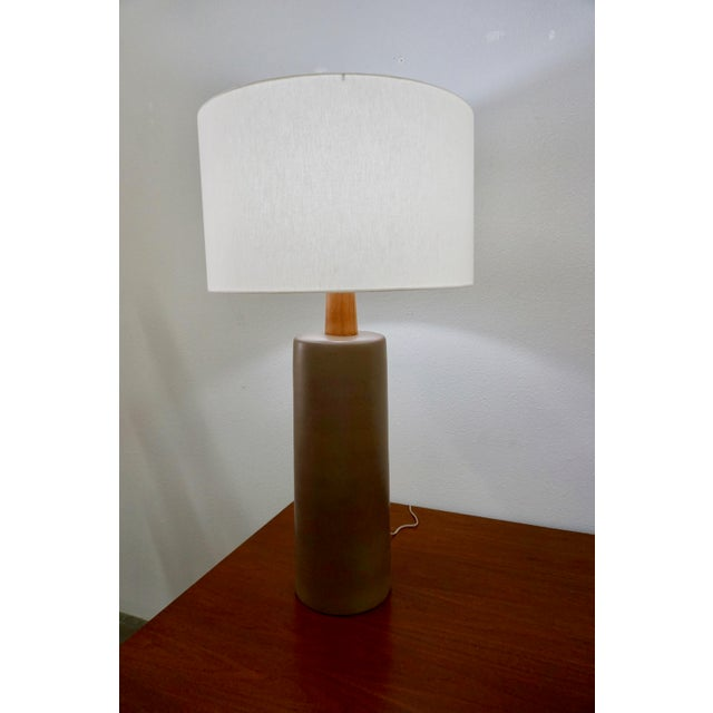 Gordon Martz Tall Olive Green Ceramic Table Lamps by Gordon Martz - a Pair For Sale - Image 4 of 8