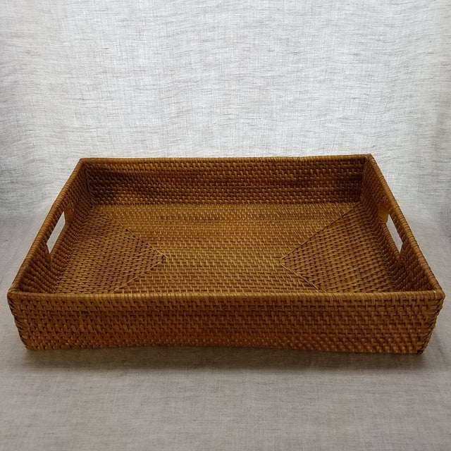 Perfect for entertaining this natural, hand woven, rattan tray is perfect for entertaining indoor/out. The tray is tightly...