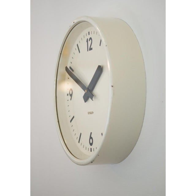 Industrial station clock by Schauer, 1964 For Sale - Image 4 of 8