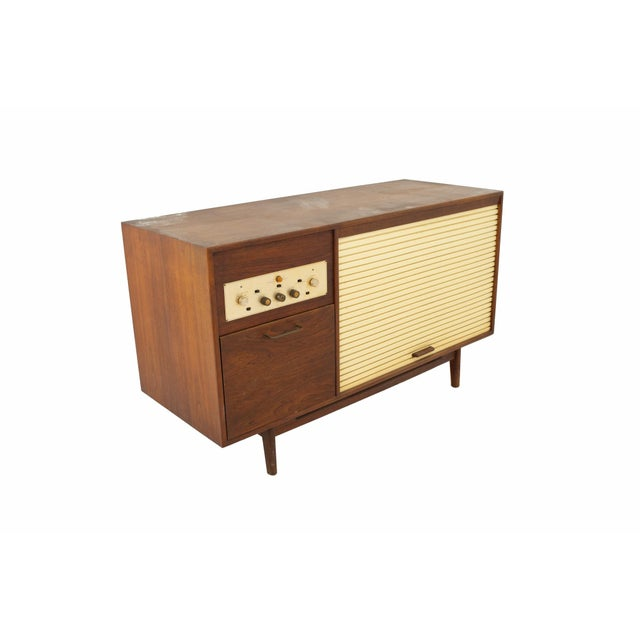 Mid 20th Century Jens Risom Mid Century Walnut Tambour Door Stereo Console Credenza For Sale - Image 5 of 9