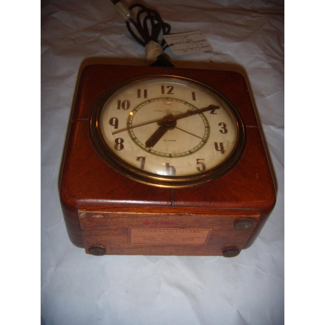 Art Deco Style General Electric Wood Alarm Clock - Image 5 of 9