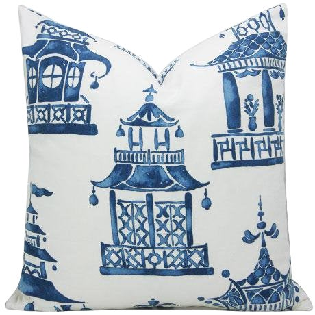 Chinoiserie Ming Pagoda Blue and White Decorative Pillow Cover For Sale