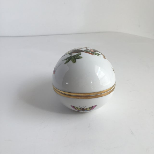 Herend Vintage Herend Rothschild Hand Painted Birds & Butterfly's Egg Trinket Box For Sale - Image 4 of 10
