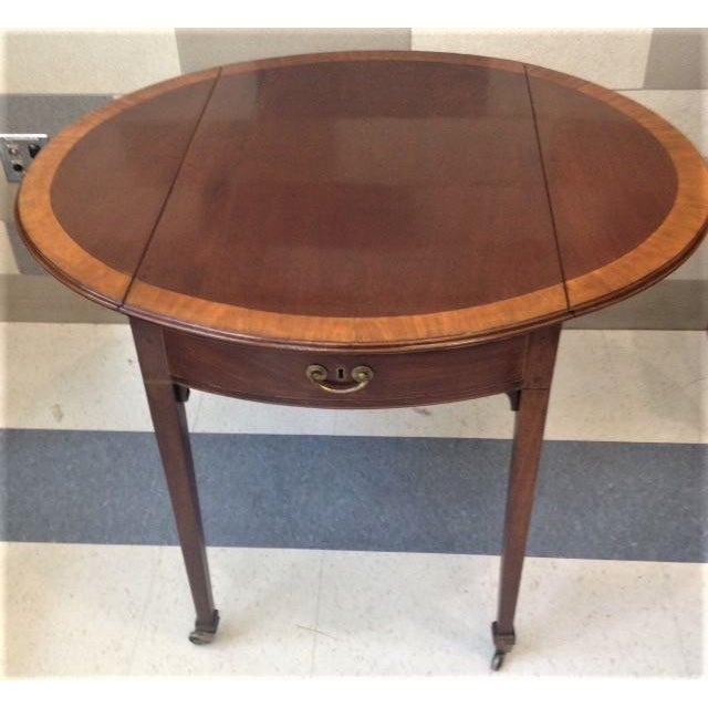 18th Century English Hepplewhite Inlaid Mahogany Pembroke Table With Oval Leaves For Sale - Image 11 of 13