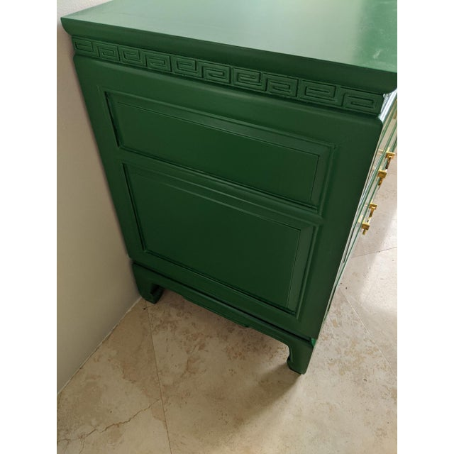 Asian 1940s Vintage Green Gloss Chinoiserie Nightstands-a Pair For Sale - Image 3 of 8
