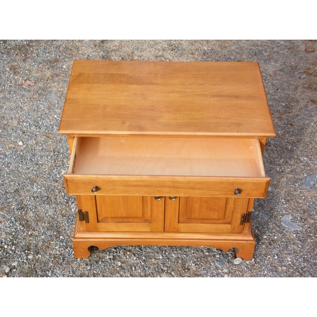 1950s Pair Beal's Solid Rock Maple Nightstands Bedside Cabinets End Tables Record Cabinet For Sale - Image 5 of 13