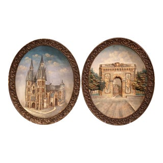 Pair of Early 20th Century French Hand-Painted Oval Decorative Wall Platters For Sale