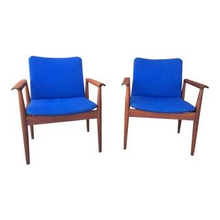 1960s Danish Teak Diplomat Chairs by Finn Juhl for France & Sons - a Pair For Sale