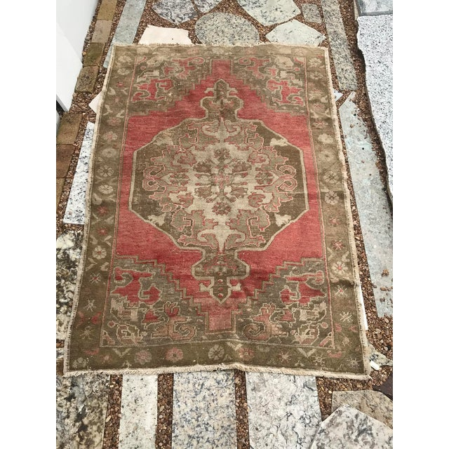 This classic rug is from the village called Bor in Turkey. It has the traditional Ottoman medallion and spandrels. It is...