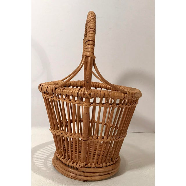 Lots of uses for this cute vintage handled basket!
