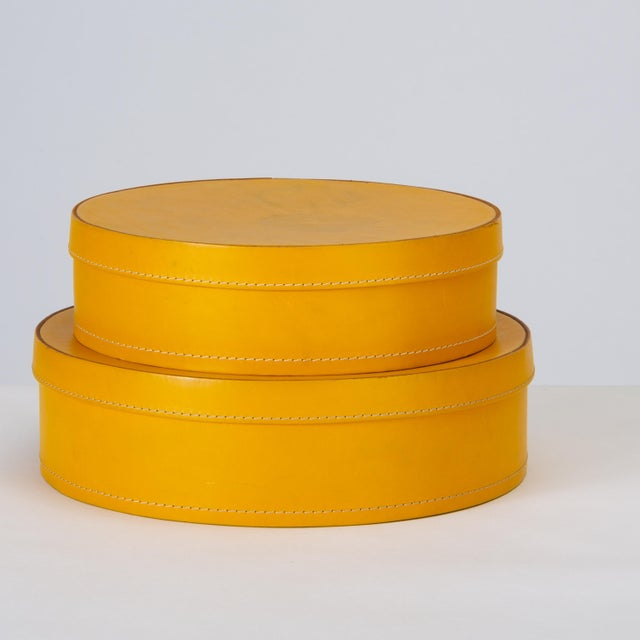 Round Leather Nesting Boxes by Arte Cuoio & Triangolo - A Pair For Sale In Los Angeles - Image 6 of 13