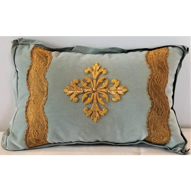 Antique French Ecclesiastical Embroidered Metallic Cross Applique on Custom Down Pillow For Sale In New Orleans - Image 6 of 6