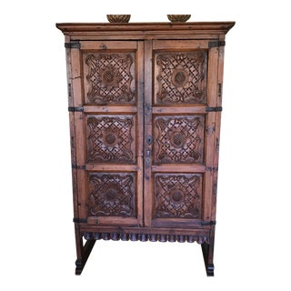 16th Century Antique Rapero Antique Wardrobe For Sale