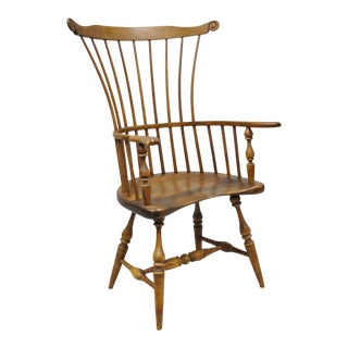 Vintage Mid-Century Philadelphia Style Colonial Windsor Chair For Sale