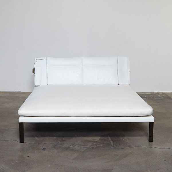 """A gorgeous Minotti """"Carnaby Double' chaise daybed by Annette Hinterwirth. This chaise has us daydreaming of afternoon..."""