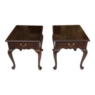 1960s Queen Anne Henkel Harris Mahogany Nightstands - a Pair For Sale