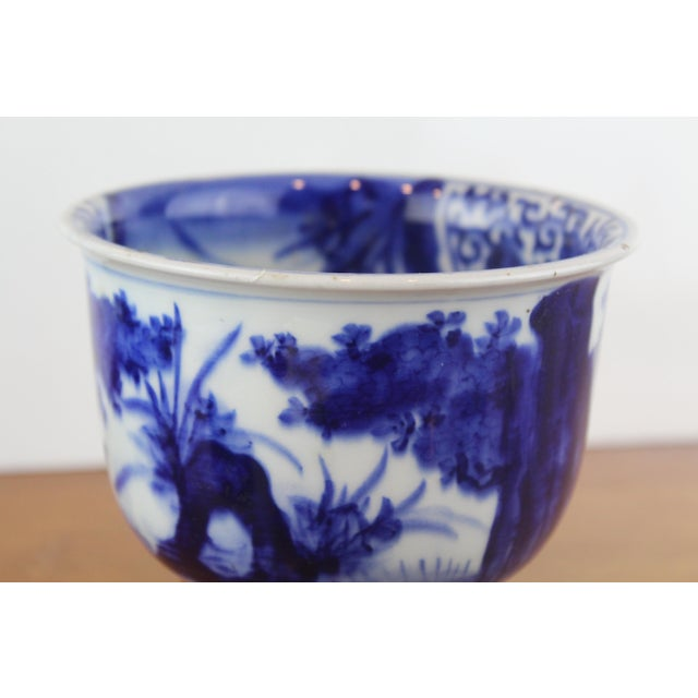Asian Antique Chinese Blue and White Urn For Sale - Image 3 of 8