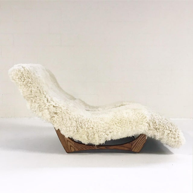 High end forsyth vintage adrian pearsall style wave chaise for Chaise longue wave
