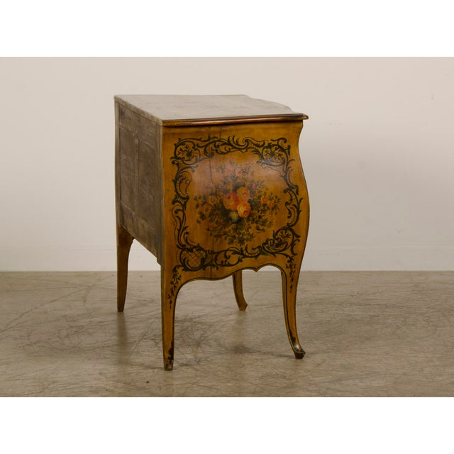 Italian Louis XV Rococo Style Antique Painted Bombè Chest circa 1885 For Sale In Houston - Image 6 of 10