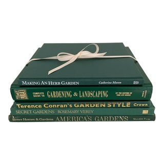 Garden Enthusiast Decorative Book Collection - Set of 5 For Sale