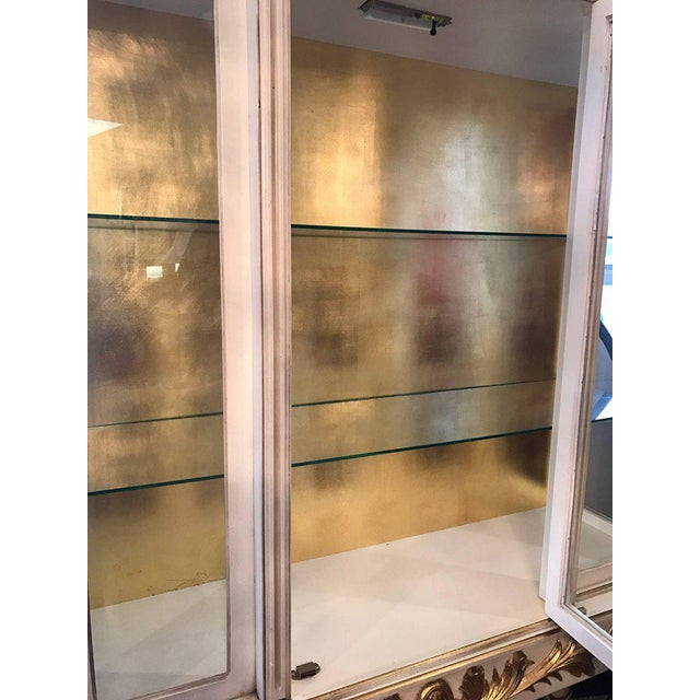 Glass Italian Cream Painted and Gold Gilt Display China Cabinet Vitrine For Sale - Image 7 of 10