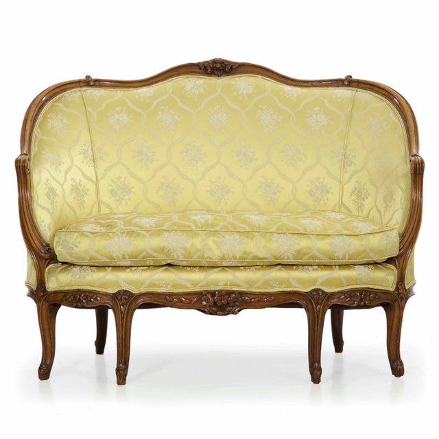 We love this gorgeous little antique French canapé sofa with its slight proportions and relentless curvatures. It moves...