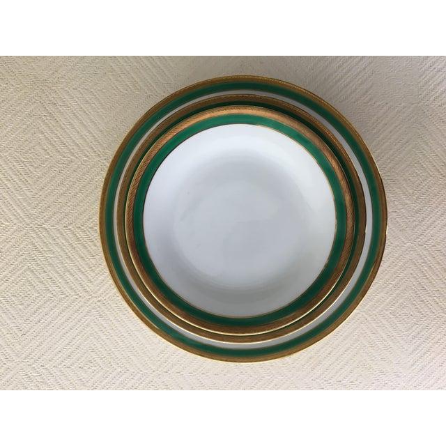 Hollywood Regency Vintage Richard Ginori Palermo Green 6-Place Dinnerware Set For Sale - Image 3 of 10