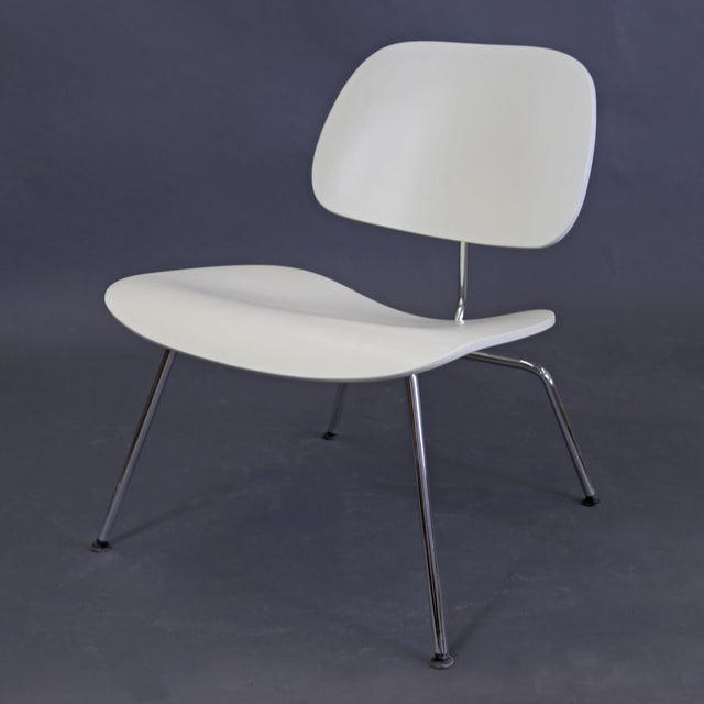 Mid-Century Modern Eames Style White Lounge Chair For Sale - Image 11 of 11