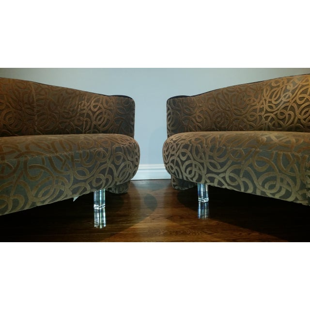 Vladimir Kagan for Weiman Serpentine Cloud Sofas Lucite Legs - a Pair For Sale - Image 10 of 10