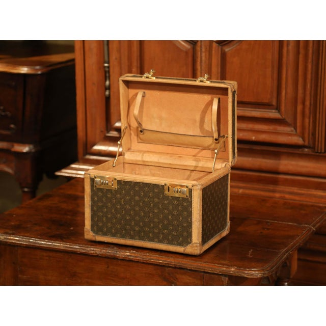 19th Century French Leather Toiletry Box With Decorative Trim and Brass Hardware For Sale - Image 4 of 13