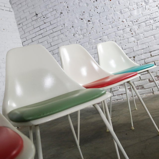 Turquoise Burke Fiberglass #103 Shell Chairs With Padded Seats Set of 5 Mid Century Modern For Sale - Image 8 of 13